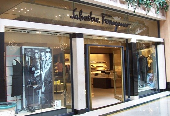 Atlantis shopping Salvatore Ferragamo