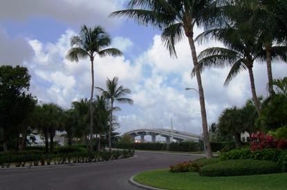Paradise Island bridge bahamas